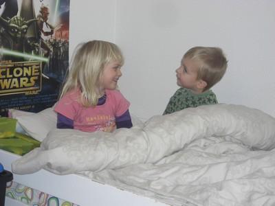 Sinde og Solveig sengehygge 2